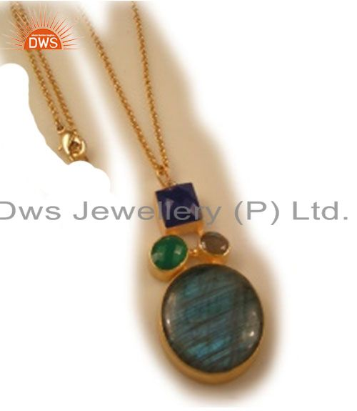 24K Yellow Gold Plated Brass Red Aventurine And Black Onyx Pendant With Chain
