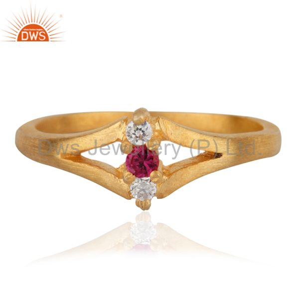 Ladies Three Stone Simulated Diamond Round Cut Engagement Ring Sz 6.5 18k Gold F