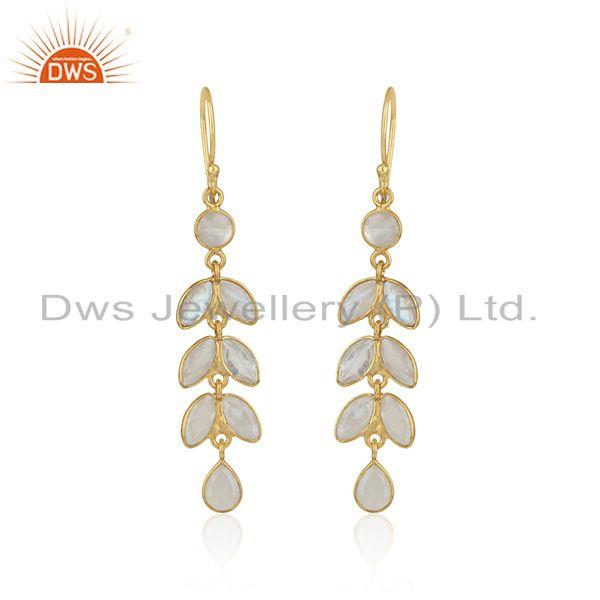 Dangle earring in yellow gold on silver with rainbow moonstone
