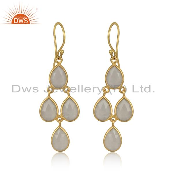 Chandelier Earring in Yellow Gold on Silver and White Chalcedony