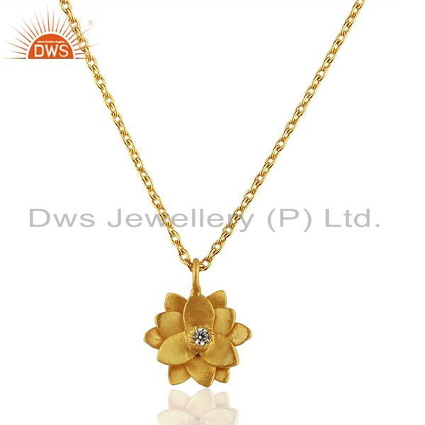 Good Look Flower Design White Zirconia Brass Chain Pendant With 18k Gold Plated