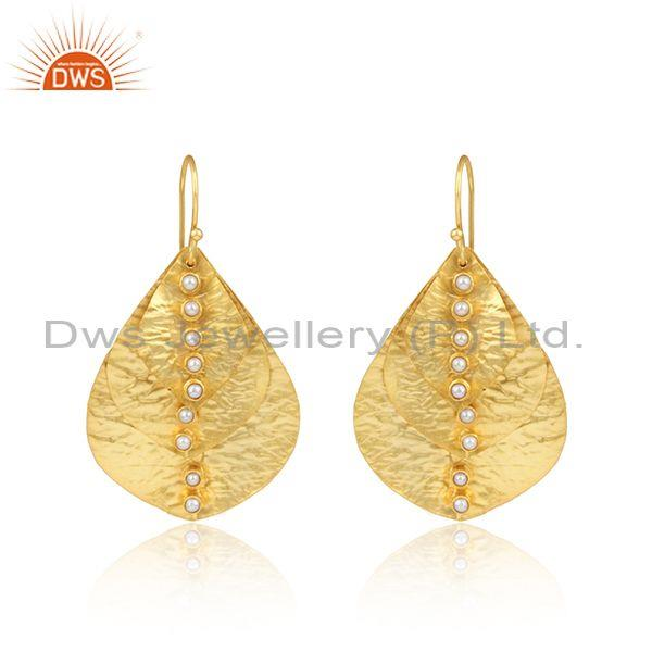 Handcrafted Textured Gold on Fashion Leaf Design Pearl Earring