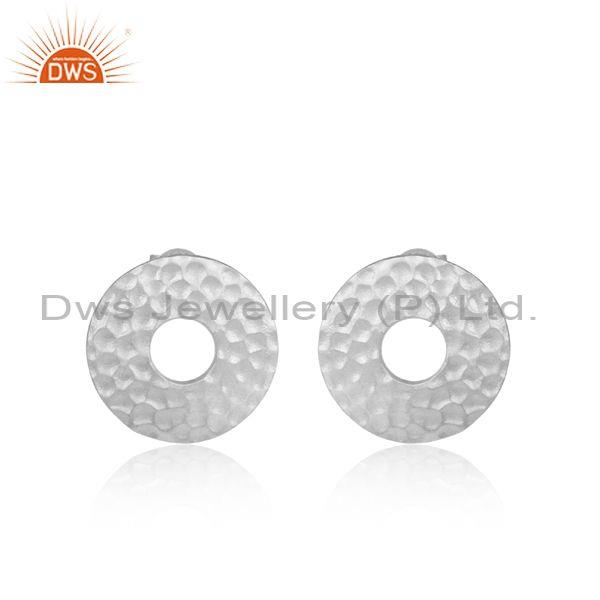 Hammered white plated sterling silver round shaped Earring