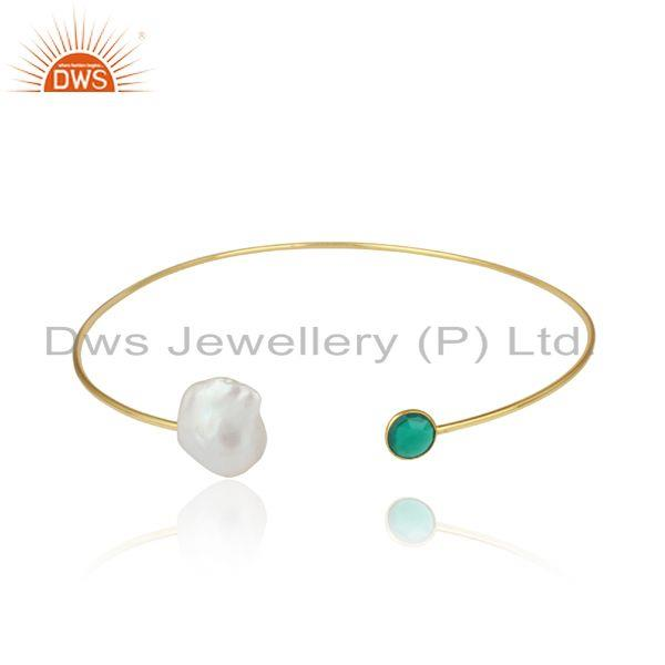 Handcrafted yellow gold on pearl sleek choker with green onyx