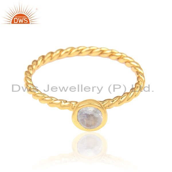 Twisted Ring in Yellow Gold on Silver 925 and Rainbow Moonstone