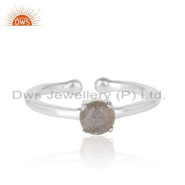 Elegant dainty solitaitre ring in silver 925 with labradorite