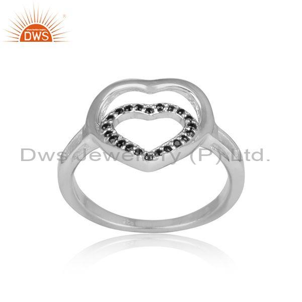 Black spinal set heart shaped white rhodium on silver ring