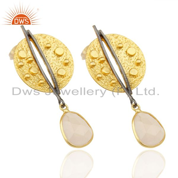 Manufacturer of Gold Plated Texture Designer Boutique Earring Rose Chalcedony Fashion Jewelry