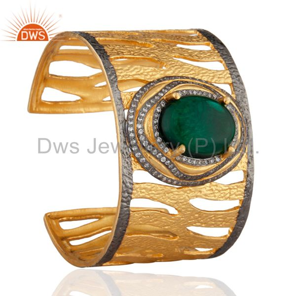 Exporter 22K Yellow Gold Plated Brass Green Glass And CZ Hammered Wide Cuff Bracelet