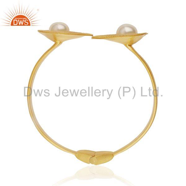 Exporter 18k Gold Plated White Pearl Brass Fashion Wedding Bangle Manufacturer of Jewelry