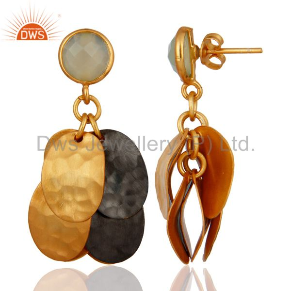 Exporter Dyed Green Chalcedony Gemstone Hammered Gold Plated Designer Earrings