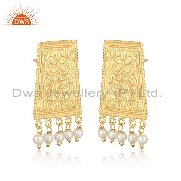 Traditional textured yellow gold on fashion earring with pearl