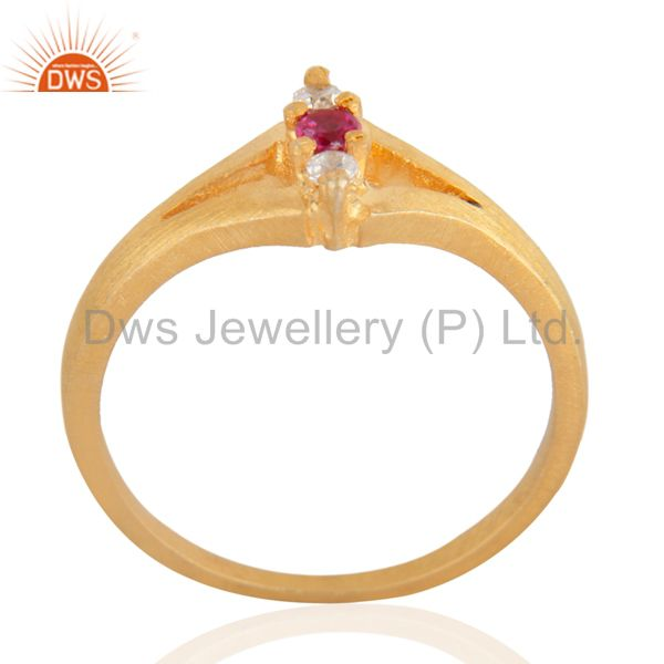 Exporter Ladies Three Stone Simulated Diamond Round Cut Engagement Ring Sz 6.5 18k Gold F