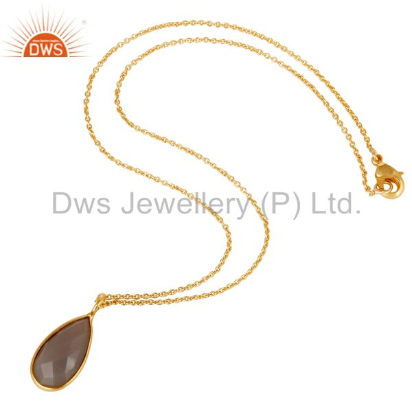 Suppliers 22K Yellow Gold Plated Handmade Dyed Chalcedony Bezel Set Chain Pendant Necklace
