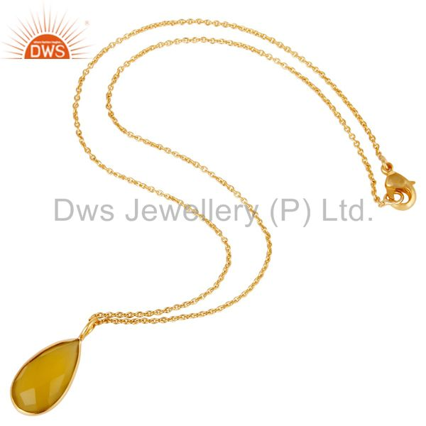 Suppliers 18K Yellow Gold Plated Dyed Chalcedony Bezel Set Brass Chain Pendant Necklace