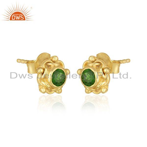 Handmade earring in yellow gold on silver with chrome diopside