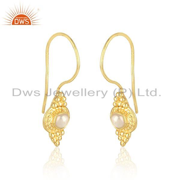 Handmade dainty earring in yellow gold over silver 925 with pearl