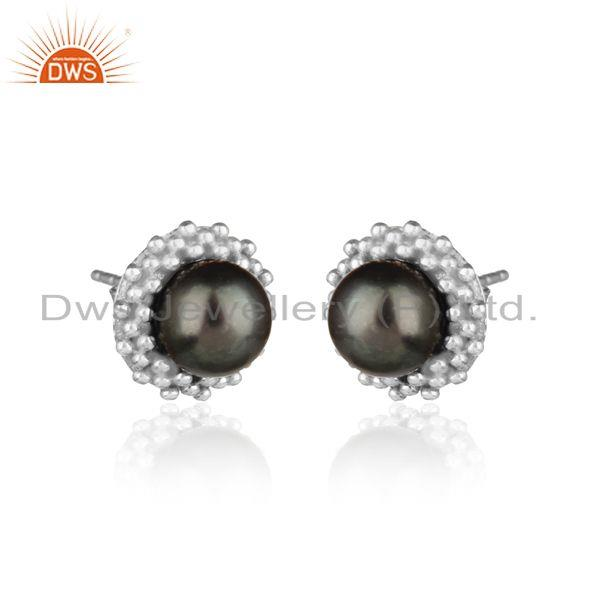 Handmade stud in rhodium plated silver 925 adorn with gray pearl