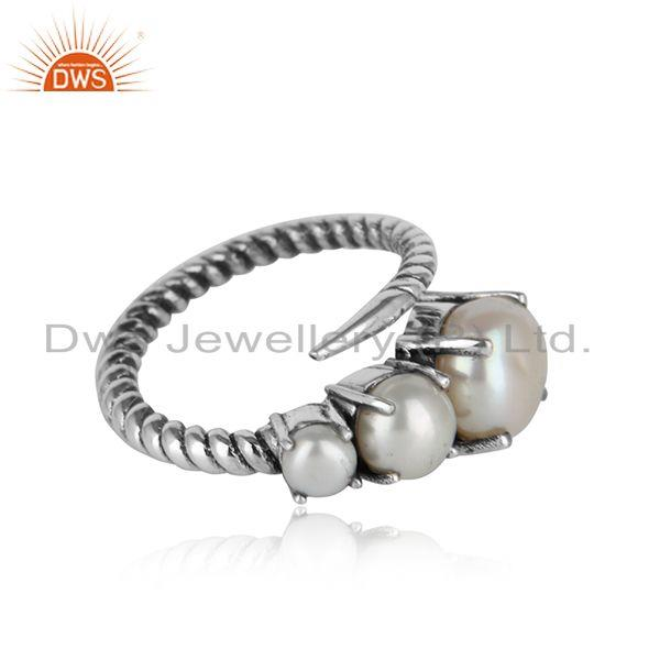 Handmade designer twisted ring in oxidised silver 925 and pearl