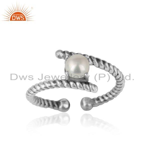 Dainty twisted ring in oxidized silver 925 with pearl