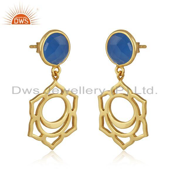 Sacred earring in yellow gold on silver with blue chalcedony