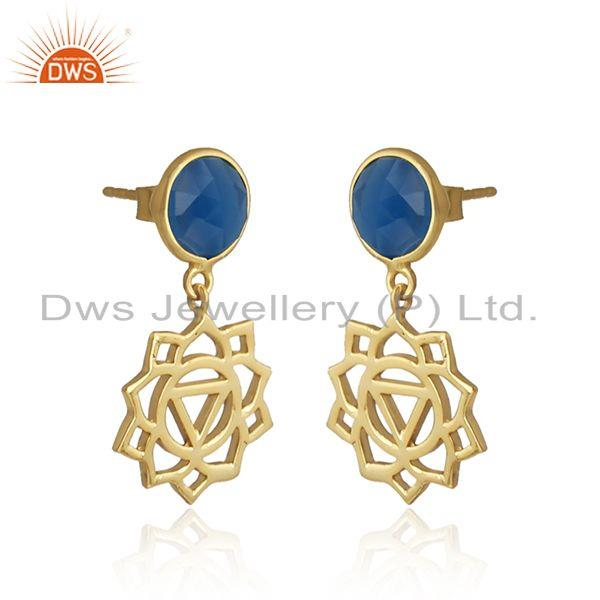 Manipura earring in yellow gold on silver with blue chalcedony