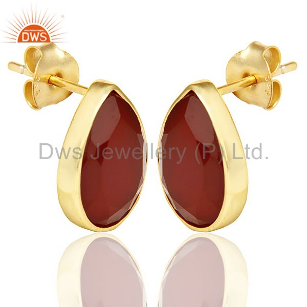 Exporter Red Onyx Pear Shape Flat Back Gold Plated Stud Earring In Solid Silver