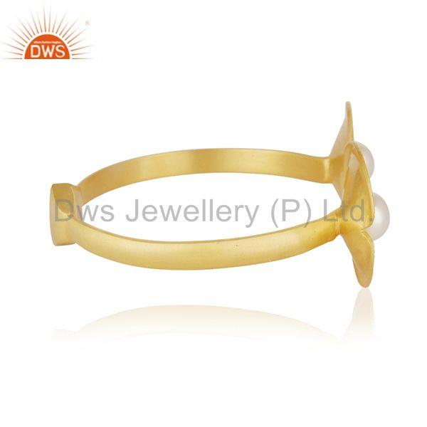 Suppliers 18k Gold Plated White Pearl Brass Fashion Wedding Bangle Manufacturer of Jewelry