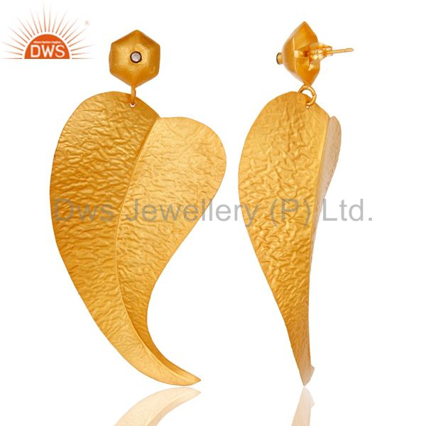 Suppliers 18k Gold Plated Fashion Charming Leaf Design Brass Earrings with White Zircon