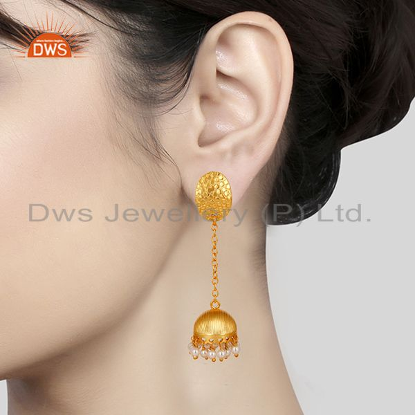 Suppliers 14K Gold Plated Handmade Round Pearl Beads Chain Jhumka Brass Earrings