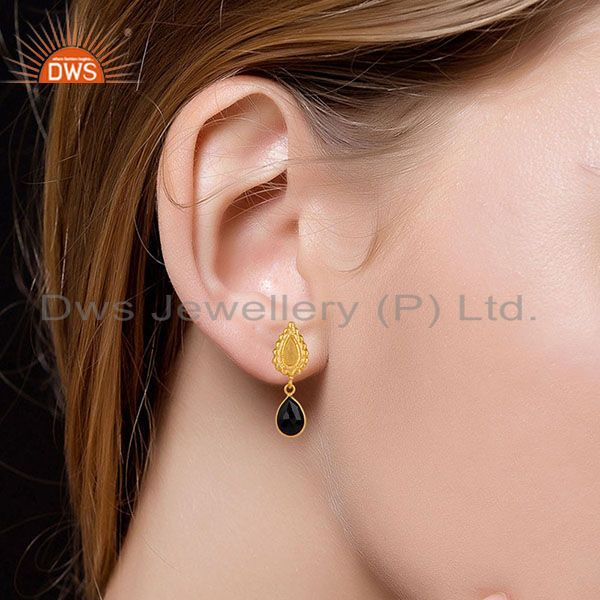 Suppliers 14K Gold Plated Handmade Beautiful Carving Black Onyx Bezel Drop Brass Earrings