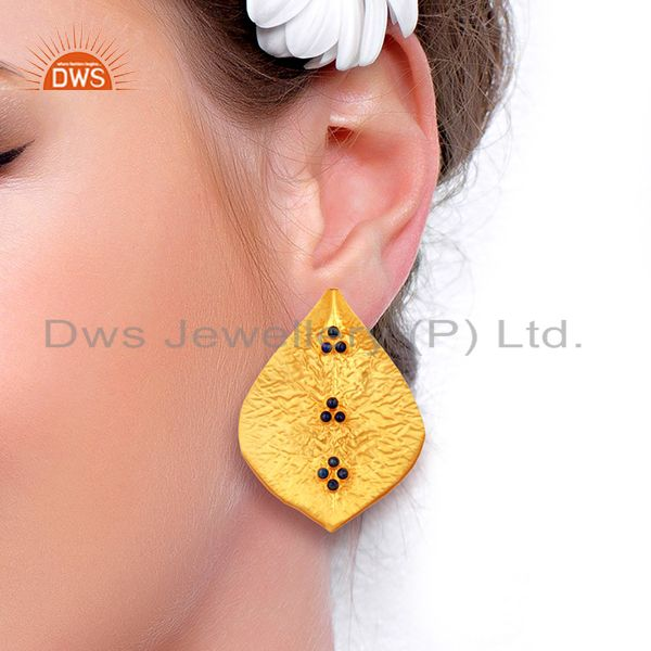 Suppliers Textured Gold Plated Natural Lapis Gemstone Fashion Stud Earrings