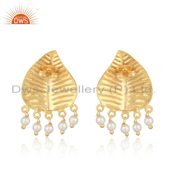 Designer of Leaf design textured yellow gold on fashion earring with pearls