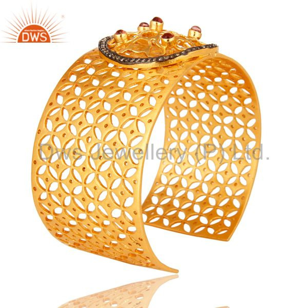 Suppliers 18K Yellow Gold Plated Brass Filigree Wide Cuff Bracelet With Glass Pink And CZ