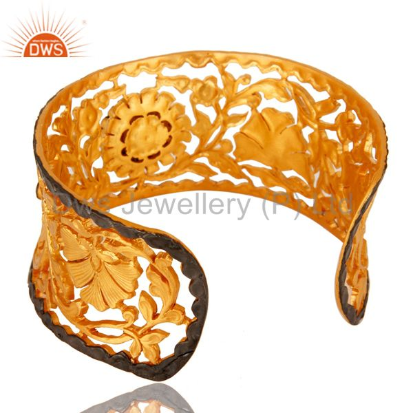 Suppliers 18K Yellow Gold Plated Brass Leaf Filigree Cuff Bracelet With Peach Chalcedony