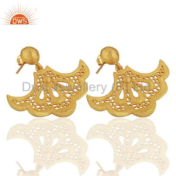 Suppliers Fan shaped lace earring with post is 2.3cm x 3.7cm