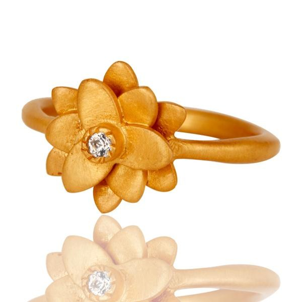 Suppliers 18k Gold Plated Flower Design Handmade Brass Ring with White Zircon