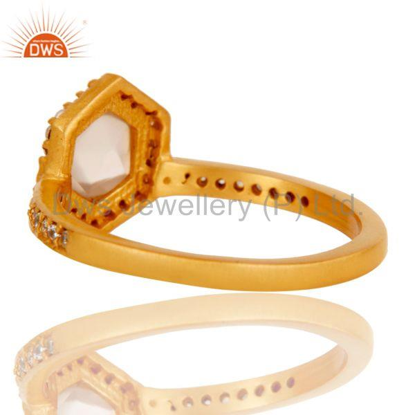 Suppliers 18k Gold Plated Little Wedding Design Brass Ring with Chalcedony & CZ