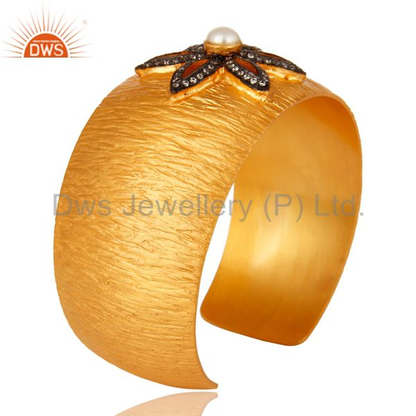 Suppliers 18K Yellow Gold Plated Matte Finish Natural Pearl And CZ Wide Cuff Bracelet