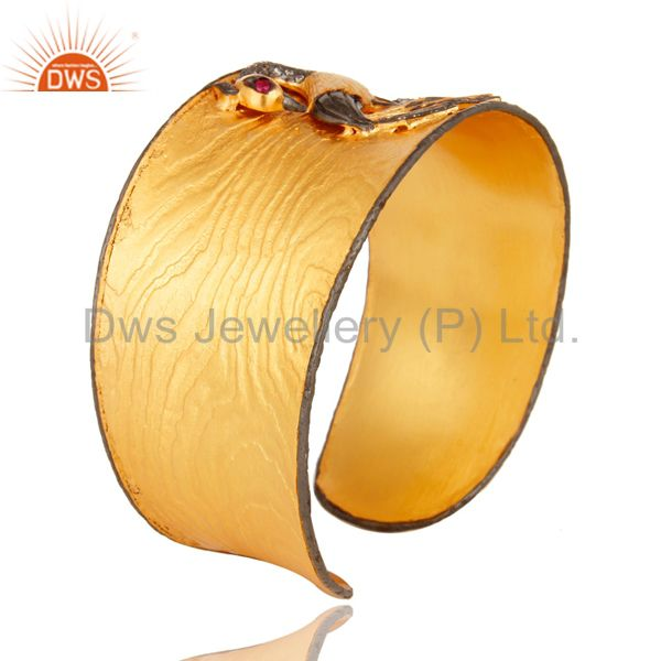 Suppliers Matte Finish 24k Yellow Gold Plated Peacock Wide Cuff Bangle Jewelry With CZ