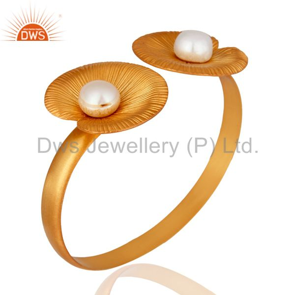 Suppliers 24K Yellow Gold Plated Sterling Silver White Pearl Flower Design Bangle