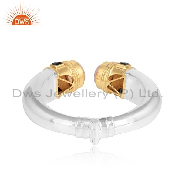 Designer of Chunky cuff in gold on silver925 with rose chadcedony, black onyx