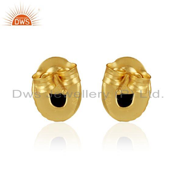 Designer of Textured silver 925 stud with hematite and yellow gold plating