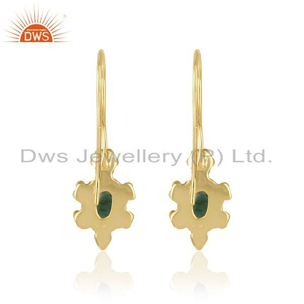 Designer of Textured earring in yellow gold on silver 925 with shiny emerald