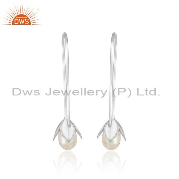 Designer of Leaf drop earring in solid silver 925 enchanted with pearl