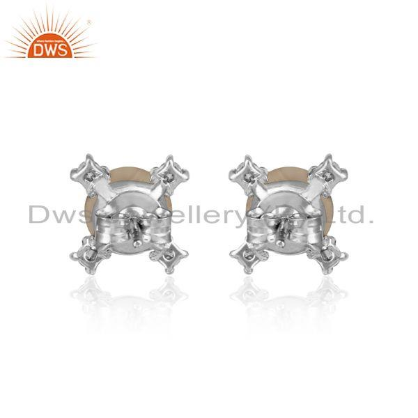 Designer of Designer stud in rhodium plated silver 925 with zircon and pearl