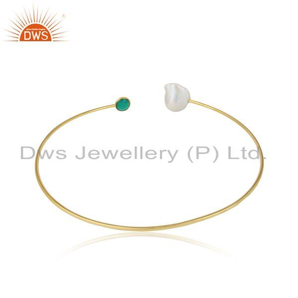 Designer of Handcrafted yellow gold on pearl sleek choker with green onyx