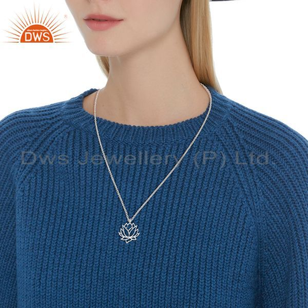 Suppliers White Rhodium Plated Plain 925 Silver Lotus Design Pendant Supplier