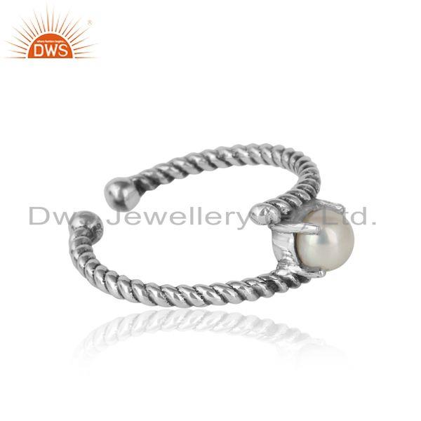 Designer of Dainty twisted ring in oxidized silver 925 with pearl