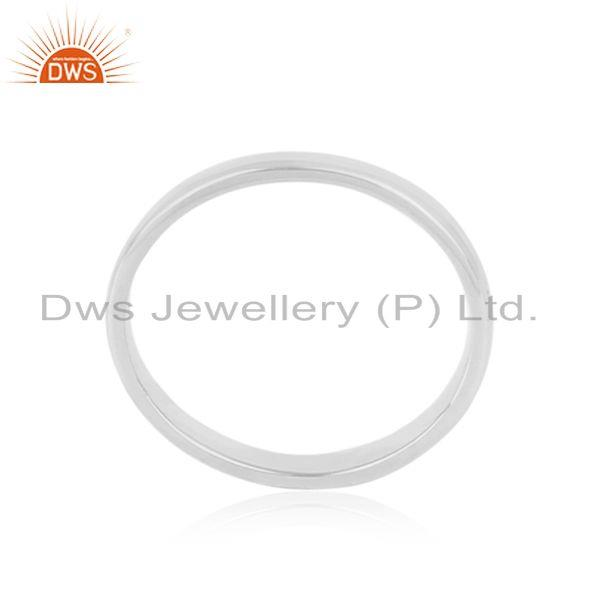 Designer of Classic plain band ring in rhodium plated silver 925